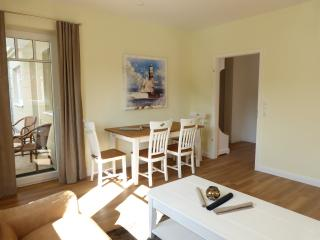 3 Room terrace appartement direct beach-friendly for handicaped people - Scharbeutz vacation rentals