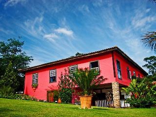 Cozy 3 bedroom Embu House with Parking - Embu vacation rentals
