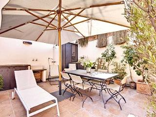 Comfortable House with A/C and Television - Roma vacation rentals