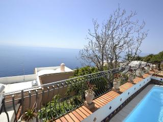 Romantic 1 bedroom House in Praiano with Deck - Praiano vacation rentals