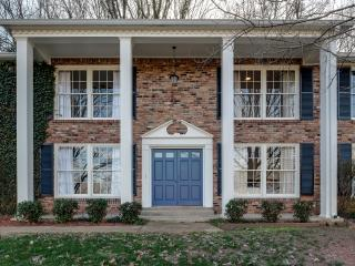 4+ BR 3300 sqft Luxury Stunner Minutes to Downtown, Vandy, Green Hills, 12 South - Nashville vacation rentals