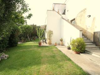 Nice 1 bedroom House in Lizzanello with Deck - Lizzanello vacation rentals