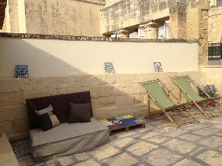 Comfortable 1 bedroom House in Lecce with Deck - Lecce vacation rentals