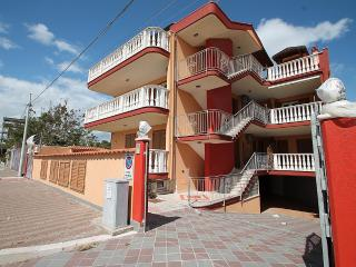 Cozy House with Internet Access and A/C in Marina di Ginosa - Marina di Ginosa vacation rentals