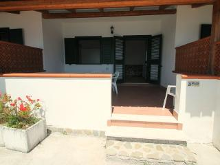 Beautiful 1 bedroom House in Agnone Cilento with Deck - Agnone Cilento vacation rentals