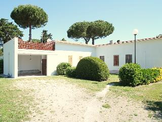 Nice 3 bedroom Paestum House with Deck - Paestum vacation rentals