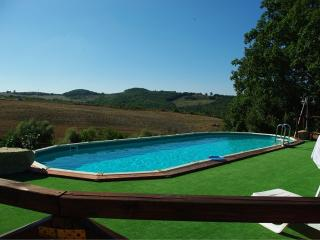 Charming 1 bedroom Casole D'elsa House with Deck - Casole D'elsa vacation rentals