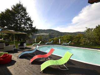 Nice Villa with Deck and Dishwasher - Valtopina vacation rentals