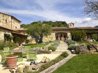 Bright Villa with Deck and Dishwasher - Tenaglie vacation rentals
