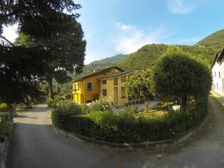 "Bed and Breakfast ""L'Albero Maestro"" - Borgofranco d'Ivrea vacation rentals"