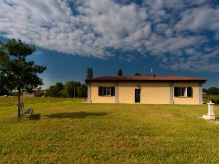 Cozy 1 bedroom House in Castenaso - Castenaso vacation rentals