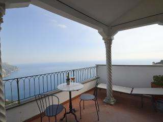 Nice House with Deck and Internet Access - Ravello vacation rentals