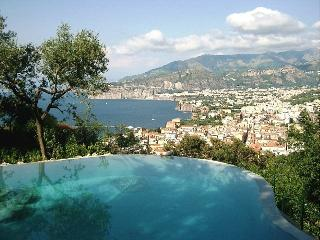 Romantic 1 bedroom Sorrento House with Deck - Sorrento vacation rentals