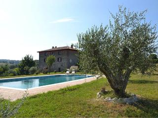 Bright 7 bedroom House in Montefiascone with Deck - Montefiascone vacation rentals