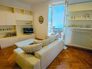 Comfortable House with Internet Access and A/C - Bellagio vacation rentals