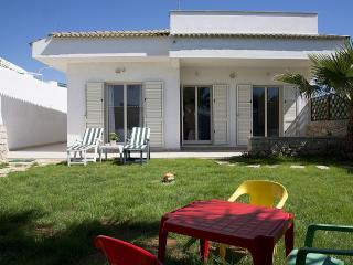 Charming Scoglitti House rental with Deck - Scoglitti vacation rentals