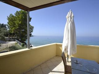 Comfortable 1 bedroom Santa Maria di Castellabate House with Deck - Santa Maria di Castellabate vacation rentals
