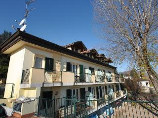 Nice 1 bedroom House in Meina - Meina vacation rentals