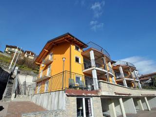 Cozy 3 bedroom Vercana House with Deck - Vercana vacation rentals