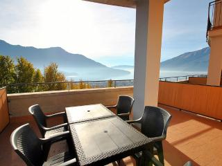 Cozy 2 bedroom Vercana House with Deck - Vercana vacation rentals