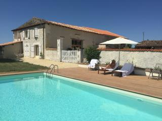 Gorgeous newly renovated barn in sunflower fields - Chalais (Charente) vacation rentals