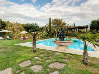 Beautiful House with Shared Outdoor Pool and Deck in Rigomagno - Rigomagno vacation rentals