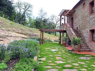 Bright House with Deck and Internet Access - Rigomagno vacation rentals