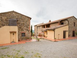 Nice 3 bedroom House in San Quirico d'Orcia with Deck - San Quirico d'Orcia vacation rentals