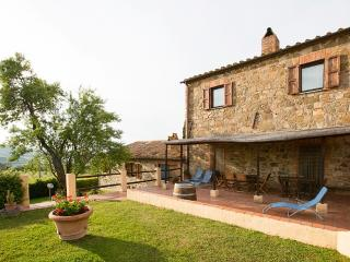 Nice House with Deck and Internet Access - San Quirico d'Orcia vacation rentals
