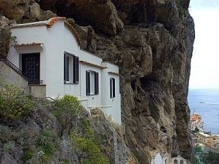 Nice House with Deck and A/C - Ravello vacation rentals