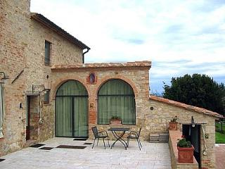 Cozy 1 bedroom House in Colle di Val d'Elsa with Deck - Colle di Val d'Elsa vacation rentals