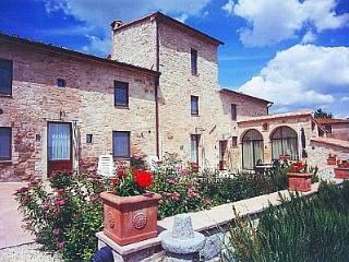 Nice House with Deck and Internet Access - Colle di Val d'Elsa vacation rentals