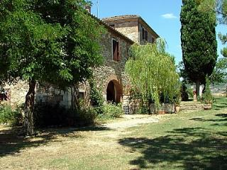 Casa Monia B - Asciano vacation rentals