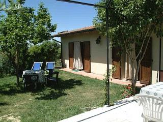 Beautiful 2 bedroom House in Asciano with Deck - Asciano vacation rentals