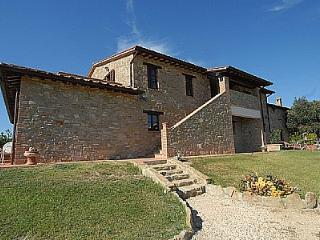 Beautiful 1 bedroom Vacation Rental in Gualdo Cattaneo - Gualdo Cattaneo vacation rentals