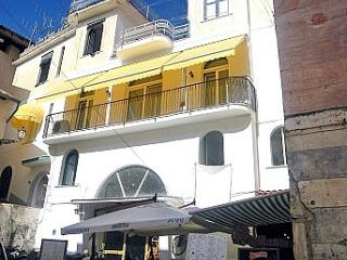 Romantic 1 bedroom Amalfi House with Internet Access - Amalfi vacation rentals
