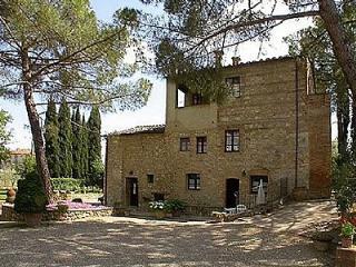 Villa Saveria B - Colle di Val d'Elsa vacation rentals