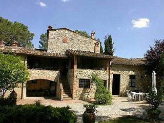 Beautiful 2 bedroom House in Colle di Val d'Elsa with Deck - Colle di Val d'Elsa vacation rentals