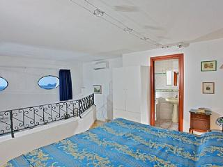 Convenient 1 bedroom House in Positano with Deck - Positano vacation rentals