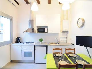 Apartament Gaudi 1 Gracia - Barcelona vacation rentals