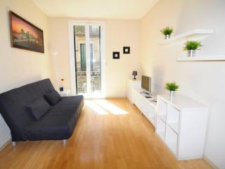 Apartament Virreina A2 Gracia - Barcelona vacation rentals