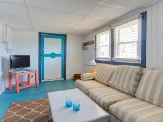 Cozy 2 bedroom Newburyport Apartment with Internet Access - Newburyport vacation rentals