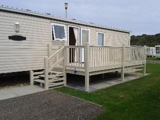 Luxury 6 berth caravan by the beach - Chapel St. Leonards vacation rentals