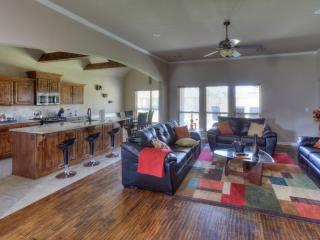 Comfortable House with Dishwasher and Patio - Broken Arrow vacation rentals