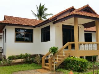 At Beach Pool & Bungalow 1 Bedroom A - Mae Nam vacation rentals