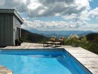 RUSTIC retreat w/pool 1 mi. to Smoky Mtn Ntl Park - Maggie Valley vacation rentals