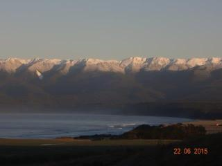 Sea & Mountains Views straight from your bedroom - Tuatapere vacation rentals
