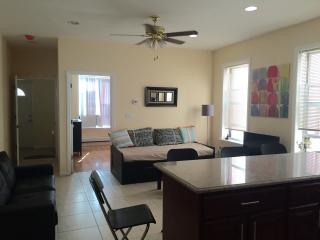 3 Bedroom Apartment -16min from Times Square - Sunnyside vacation rentals