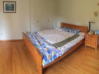 Furnished Private room in a spacious home - Burnaby vacation rentals