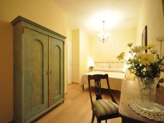 Amorino apartment - Florence vacation rentals